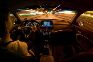consejos para manejar de noche